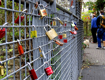 vita37.de: Liebesschlösser, Love Locks in Göttingen